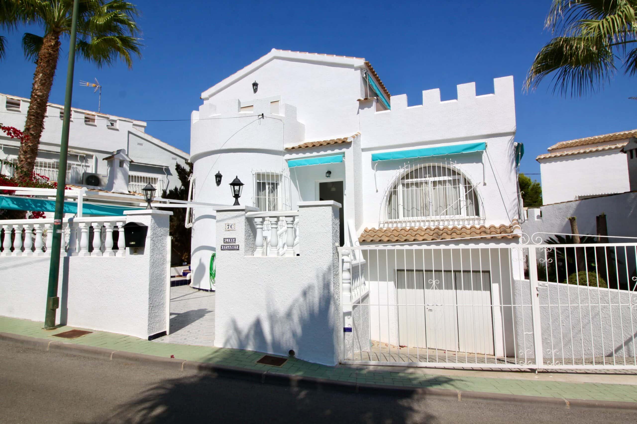 2 bedroom house / villa for sale in Pinar De Campoverde, Costa Blanca