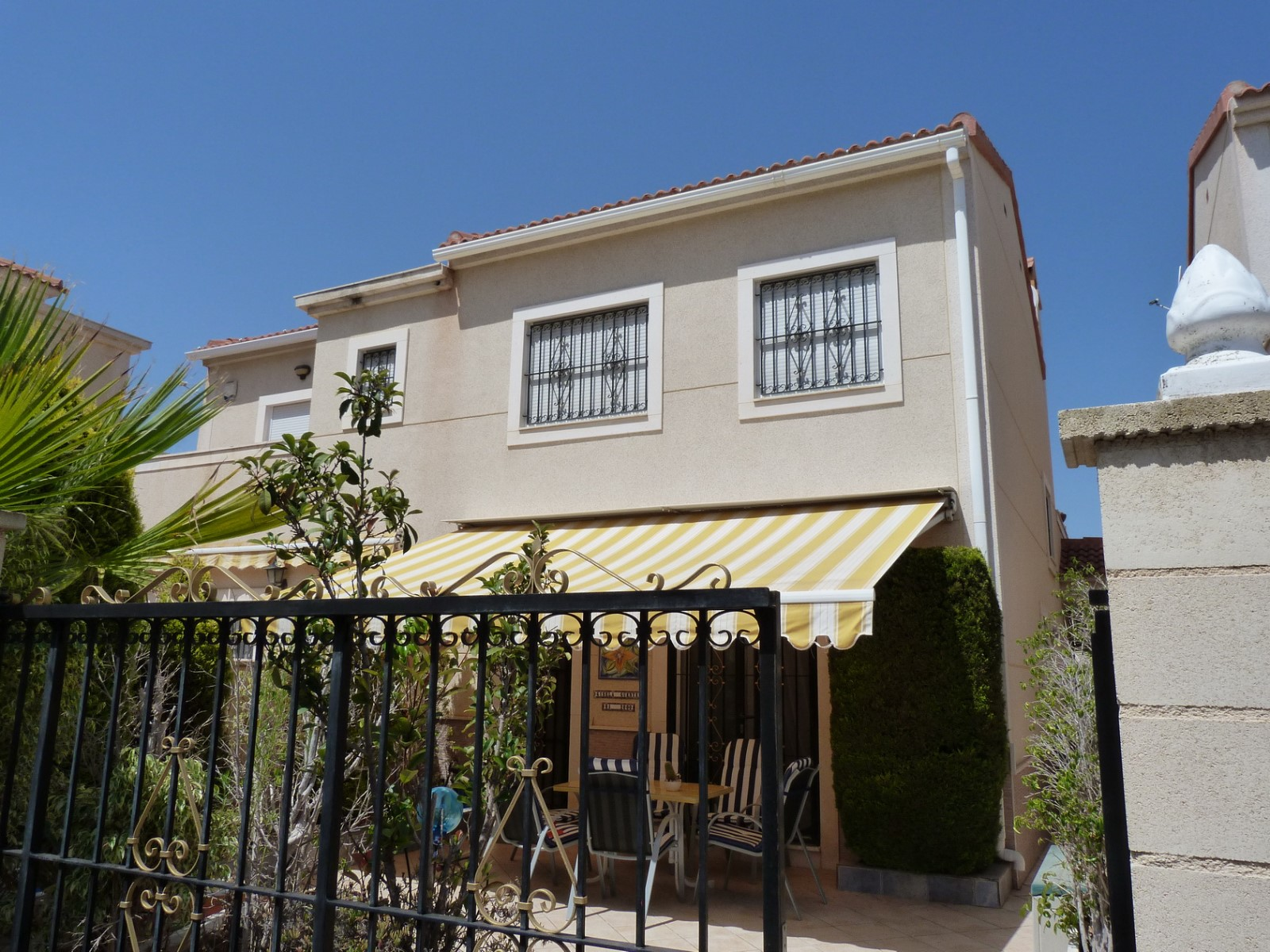 Town house on 2 levels for sale in Pinar de Campoverde by Pinar Properties