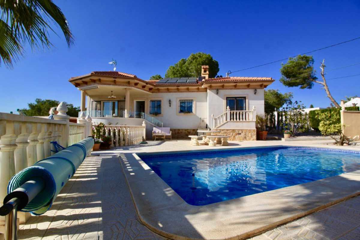 Ref:PIP144 Villa For Sale in Pinar De Campoverde
