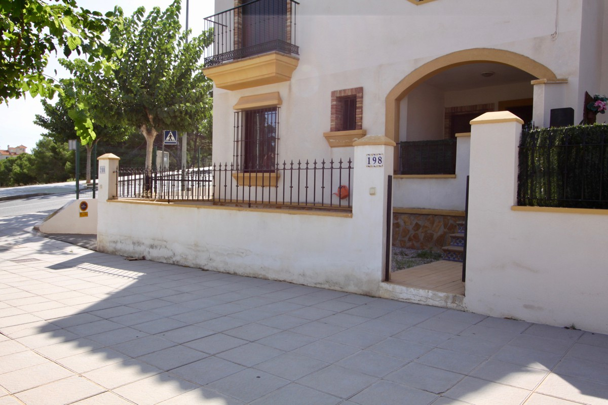 2 bedroom apartment / flat for sale in Pinar De Campoverde, Costa Blanca