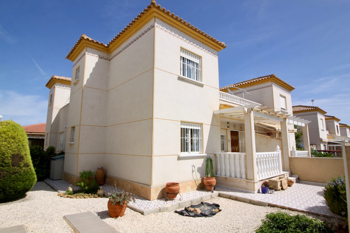 Ref:PIP185 Townhouse For Sale in Pinar De Campoverde