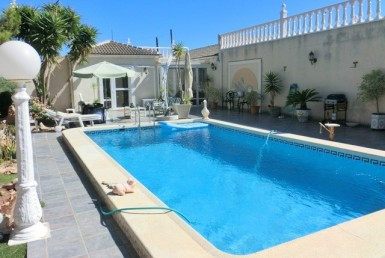 Villa for sale in Campoamor by Pinar Properties