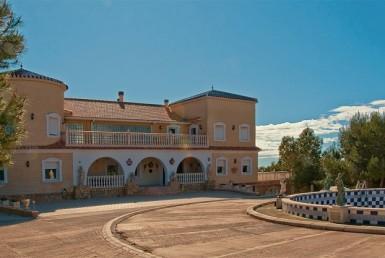 Luxury country Villa for sale in Pilar de la Horadada by Pinar Properties
