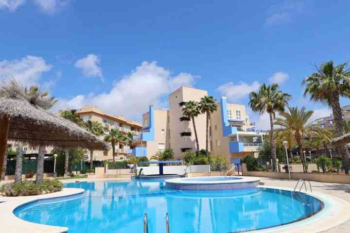 Town house on 2 levels for sale in Cabo Roig by Pinar Properties