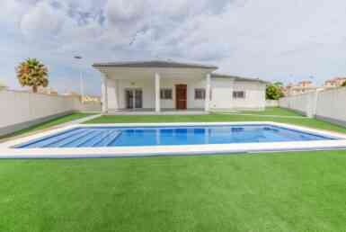 Detached Villa for sale in Gran Alacant by Pinar Properties
