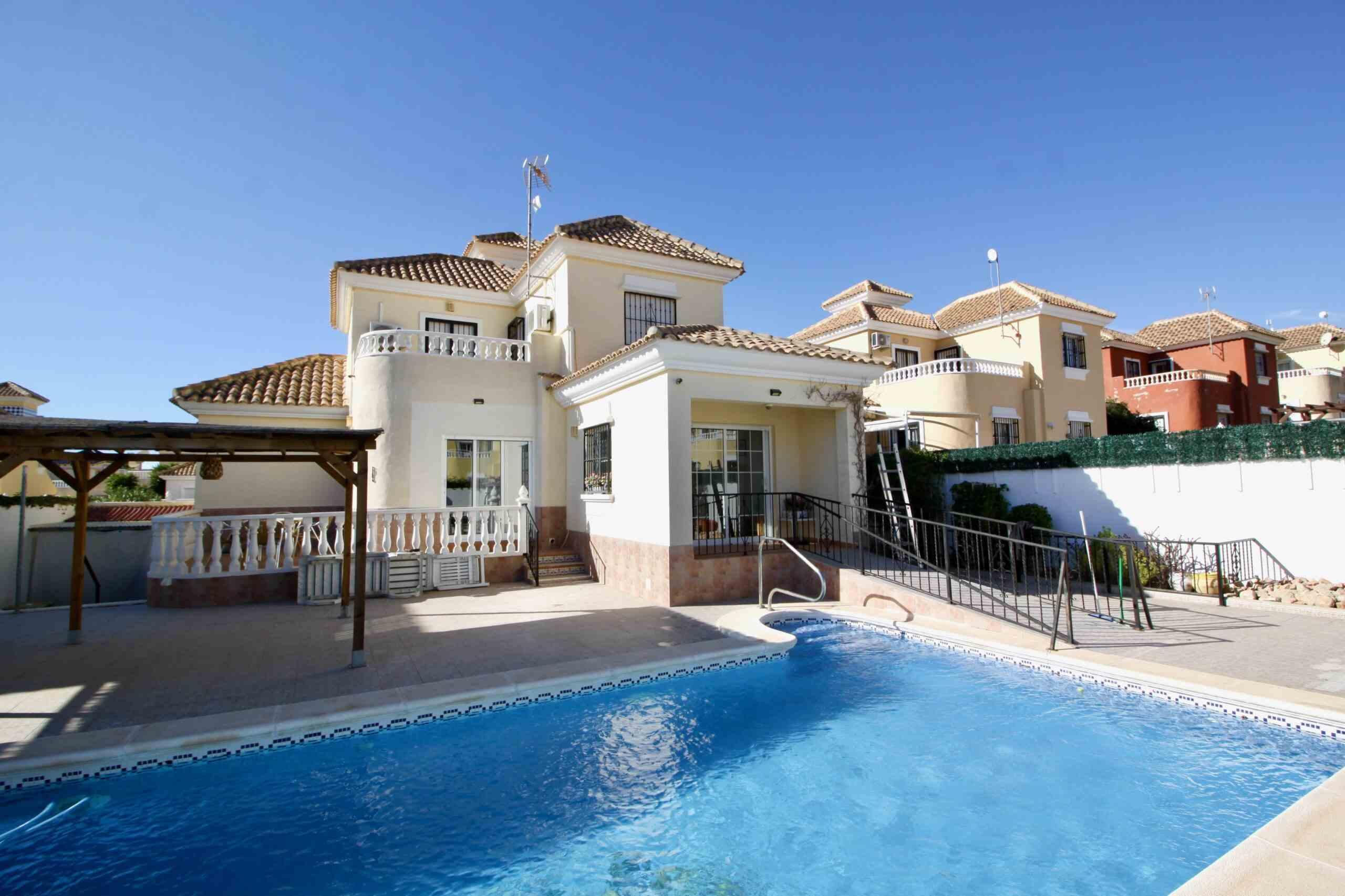 4 bedroom house / villa for sale in Pinar De Campoverde, Costa Blanca