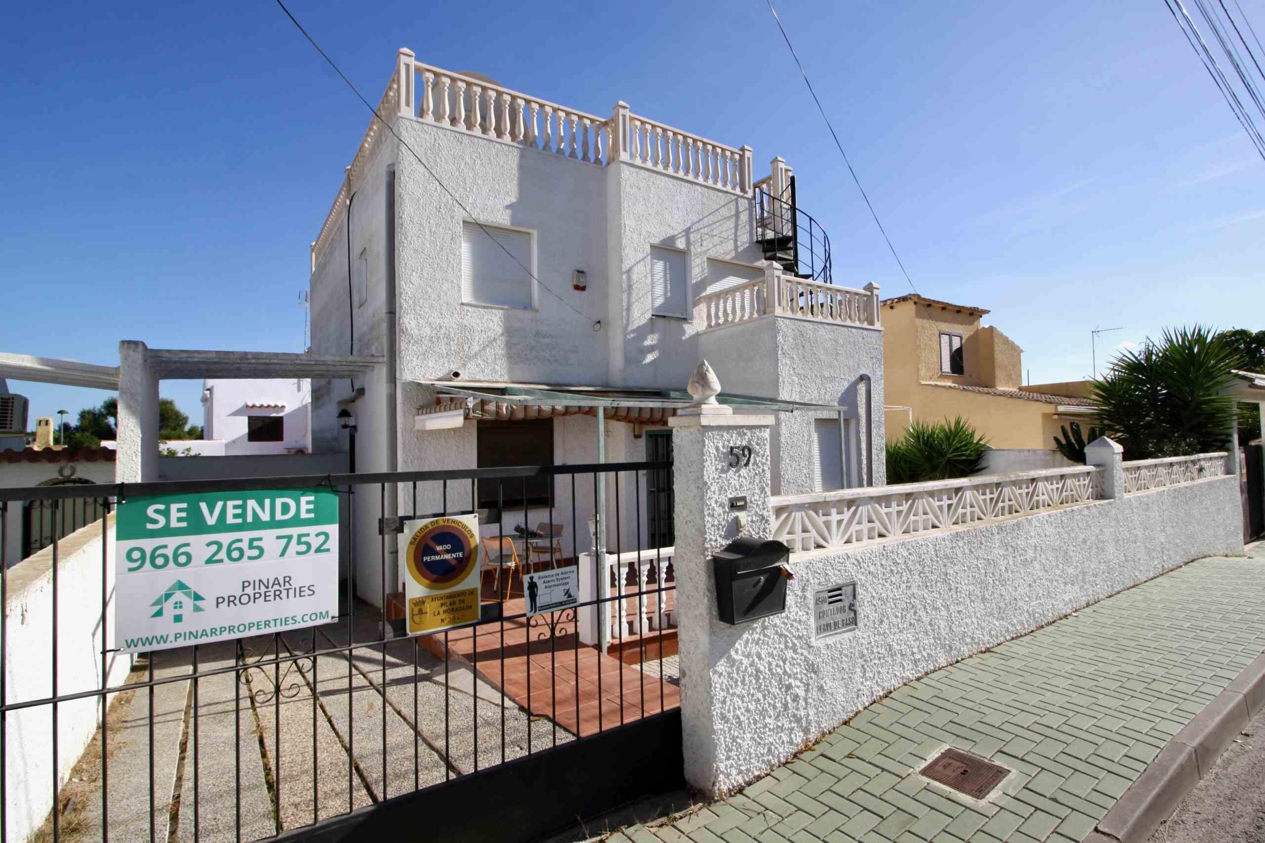 3 bedroom house / villa for sale in Pinar De Campoverde, Costa Blanca