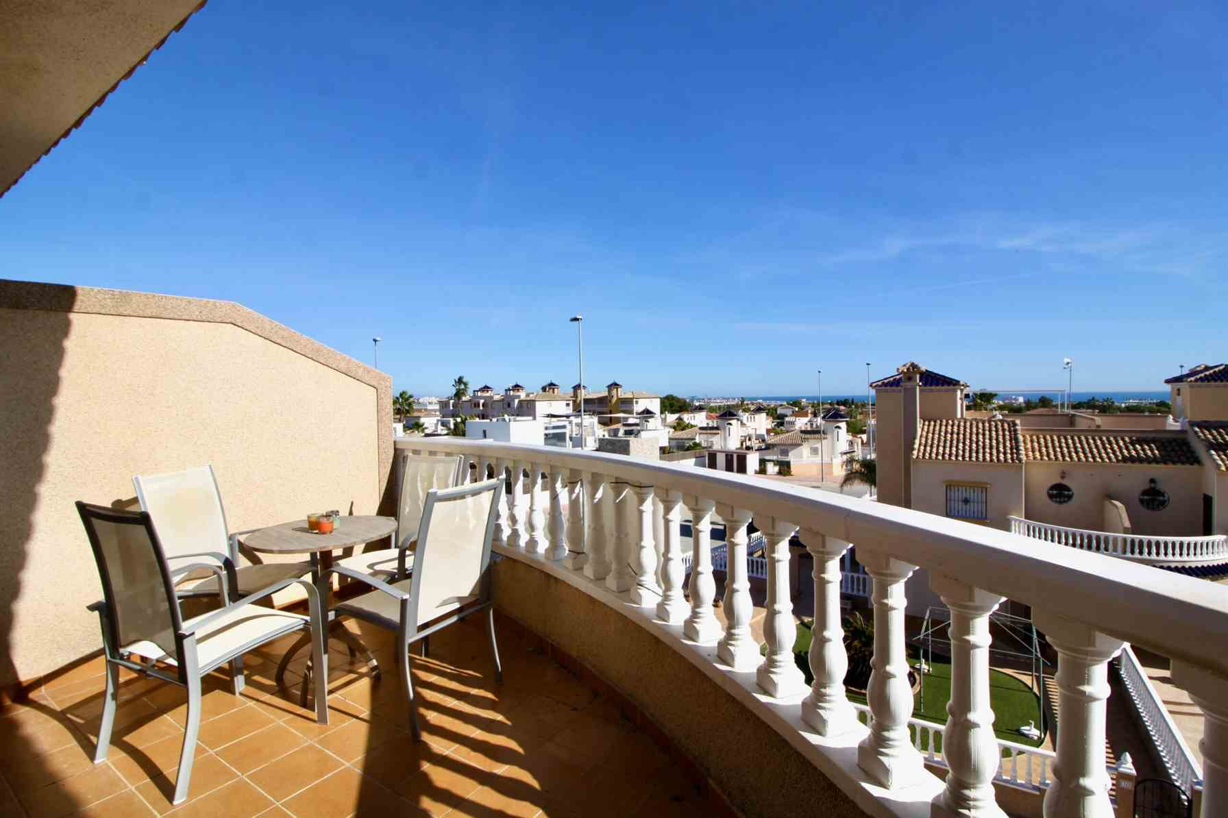 2 bedroom apartment / flat for sale in Cabo Roig, Costa Blanca