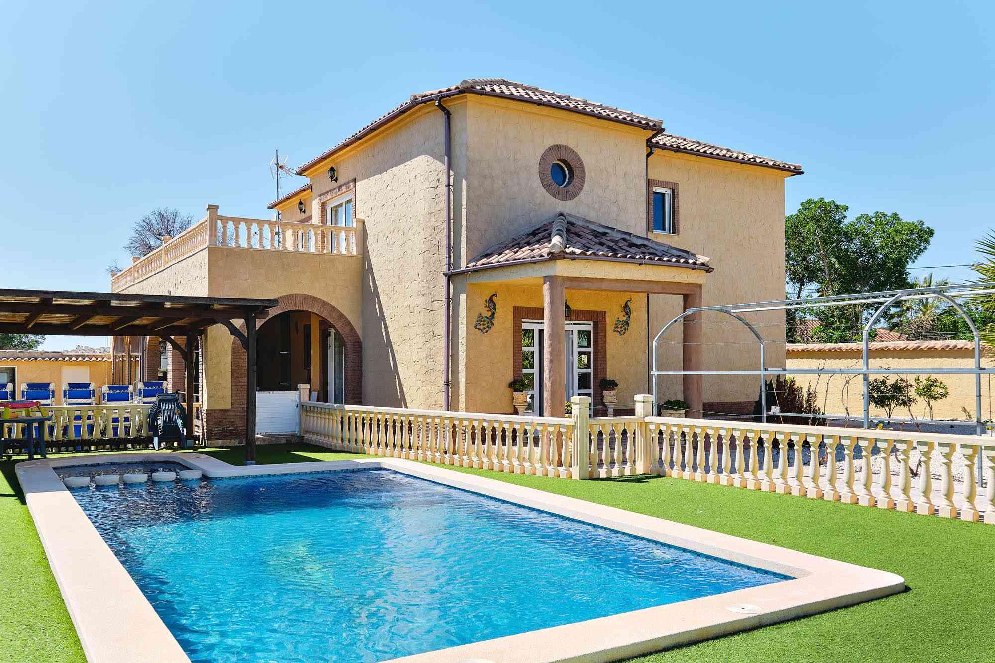 6 bedroom house / villa for sale in Pinar De Campoverde, Costa Blanca